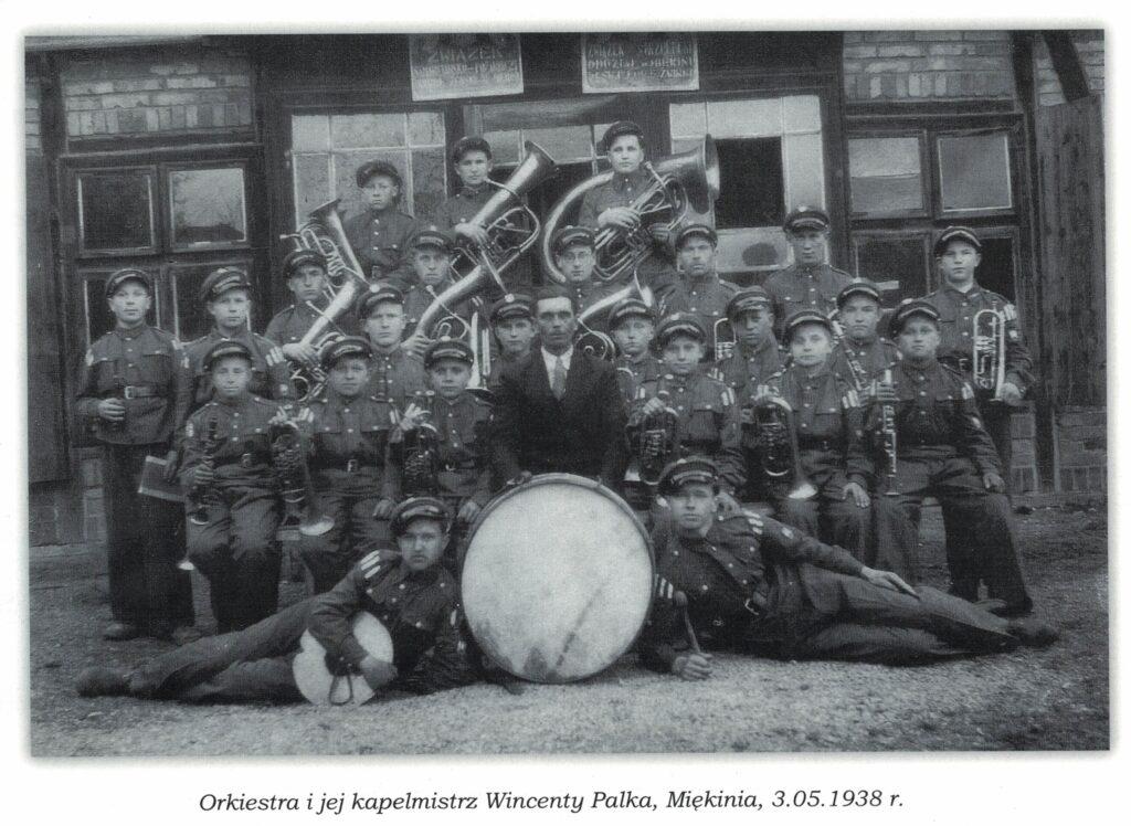 Orkiestra ijej kapelmistrz Wincenty Palka, Miękinia, 03.05.1938 r.